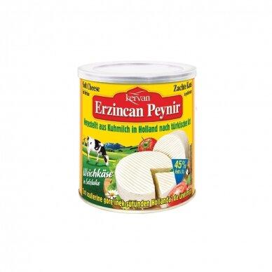 KERVAN Baltas karvės pieno sūris 45%